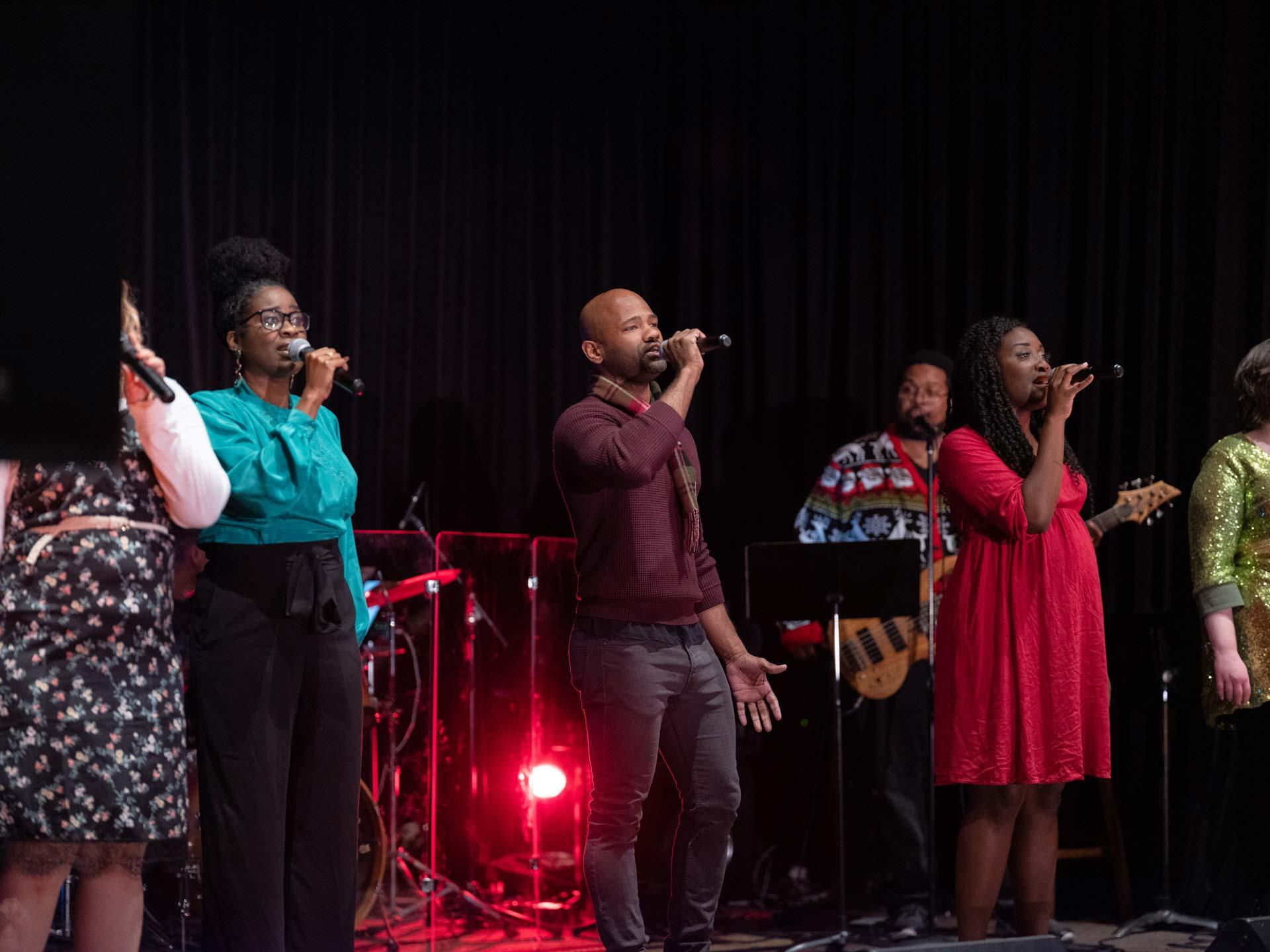 sharing-the-joy-of-the-season-harmony-christmas-benefit-concert-2
