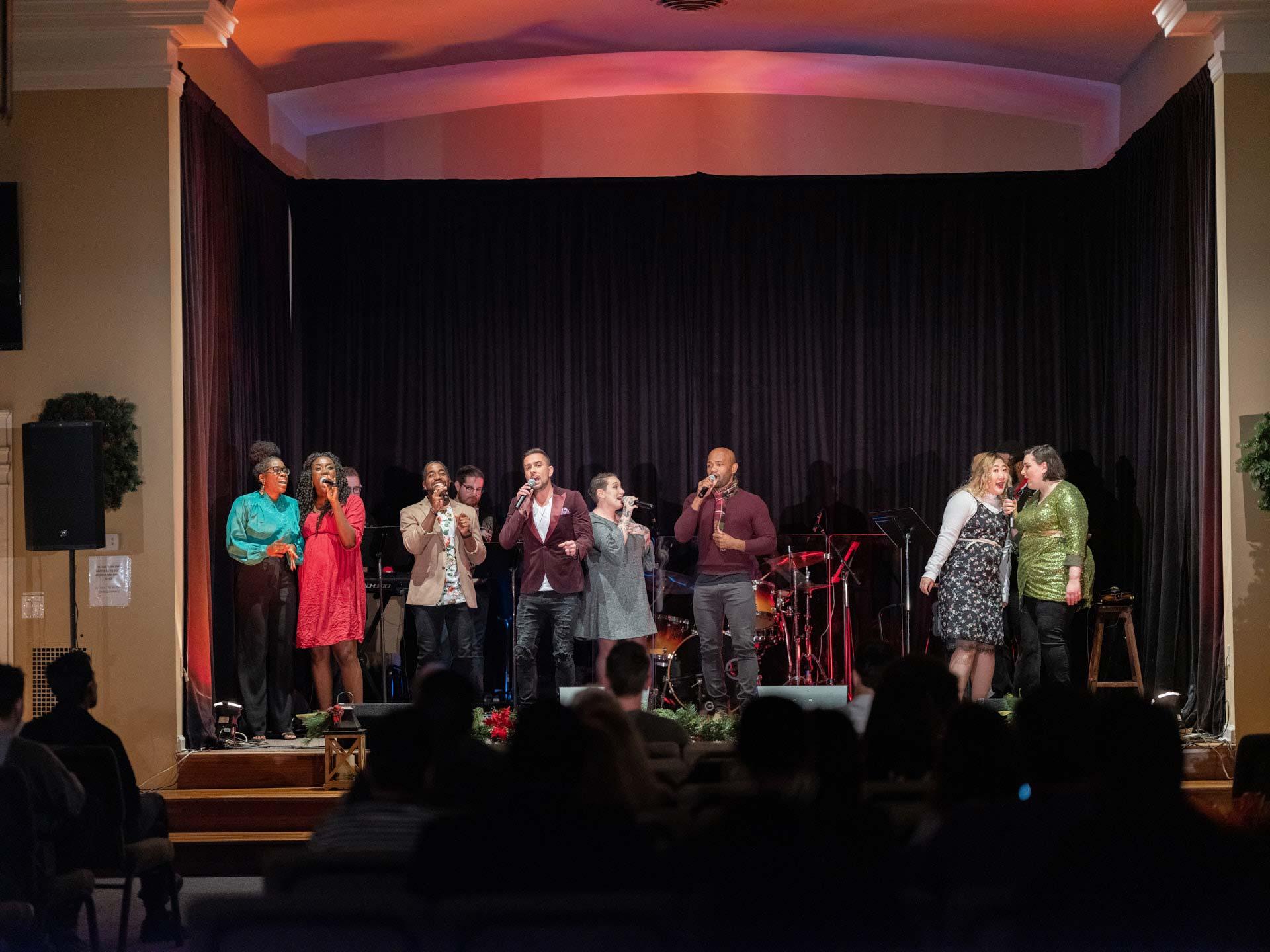 sharing-the-joy-of-the-season-harmony-christmas-benefit-concert-9