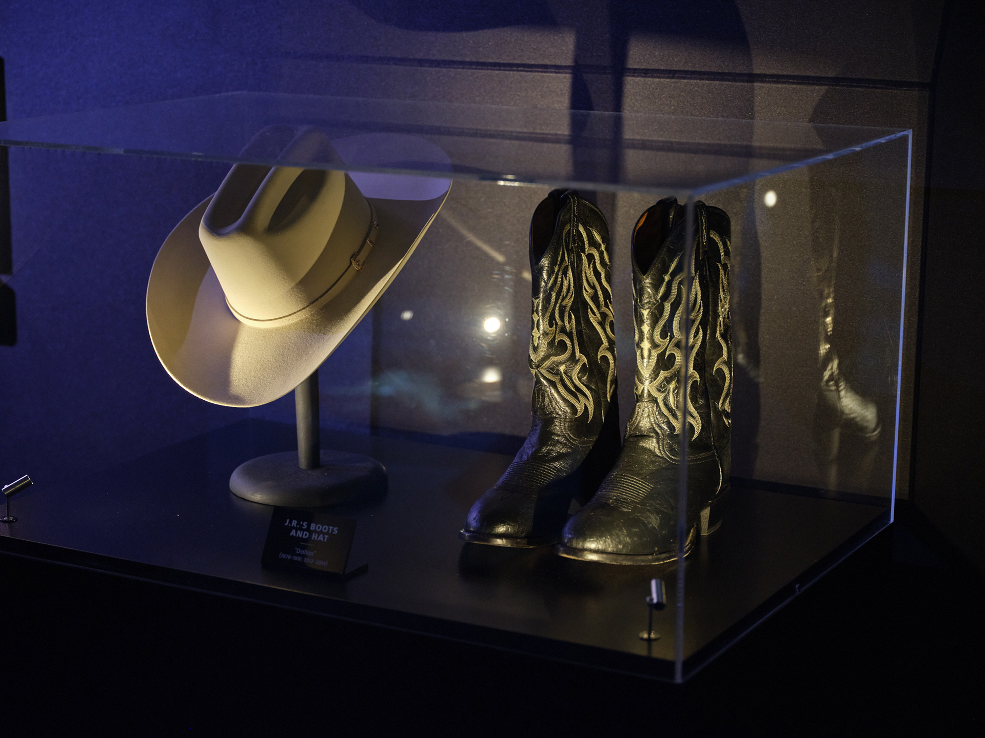 a-local-tour-through-entertainment-history-3-j-r-boots-and-hat-dallas