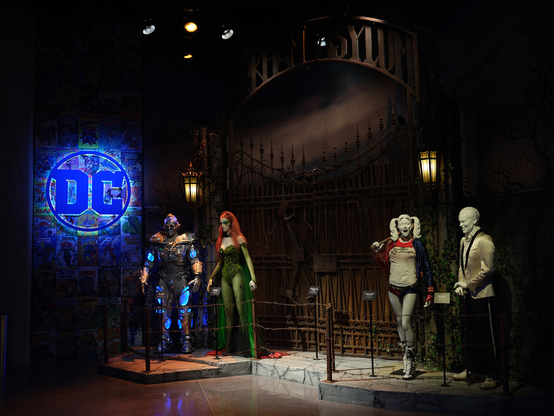 a-local-tour-through-entertainment-history-8-dc-comics-costumes-mr-freeze-poison-ivy-harley-quinn-joker