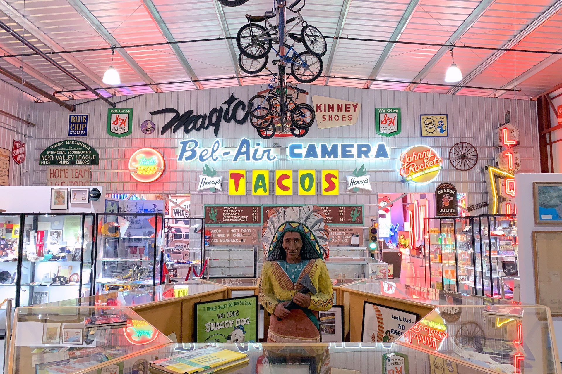 history-close-to-home-2-valley-relics-museum-neon-signs-henrys-tacos
